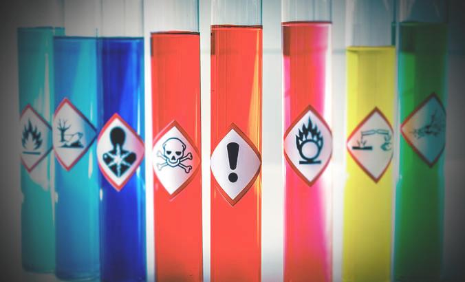 キャットフードに含まれる危険な添加物
